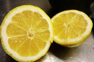 Soin des ongles naturel : solution au jus de citron et bicarbonate de soude