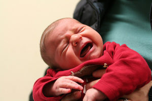 pleurs de bébé, comment arrêter les pleurs ?
