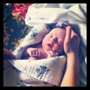 accoucher sans péridurale évite la dépression du post-partum et le rejet du bébé